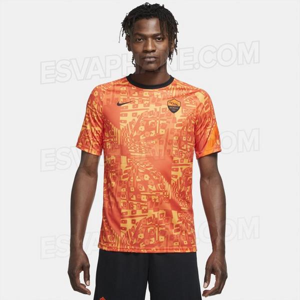 Paragrafo Decifrare Per conto  Ecco la nuova maglia pre match per le gare di Europa League (FOTO) - Siamo  la Roma